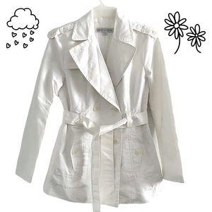 Larry Levine raincoat double breasted jacket white